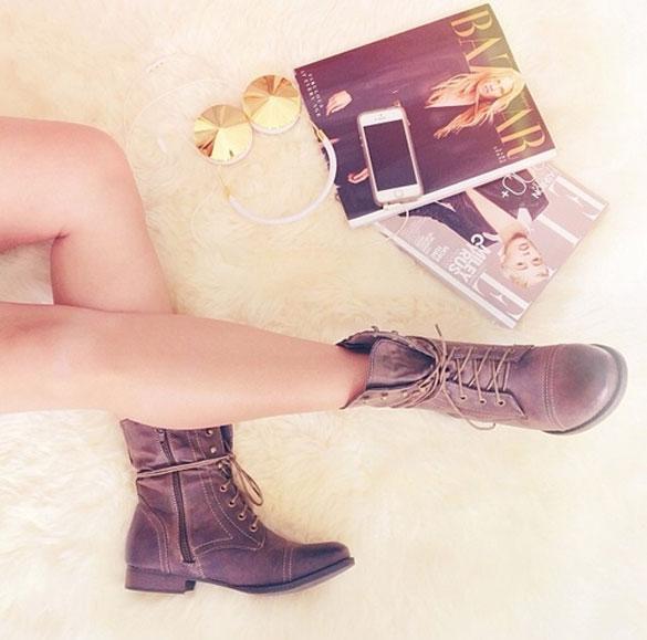 2013 girl-wearing-brown-b